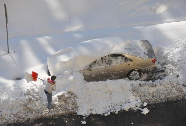 Снежный шторм прошёл на территории десятков штатов США: пять человек погибли. Фото: MANDEL NGAN/AFP/Getty Images