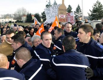 Во Франции прошла забастовка преподавателей. Фото:  LUKE LAISSAC/AFP/Getty Images