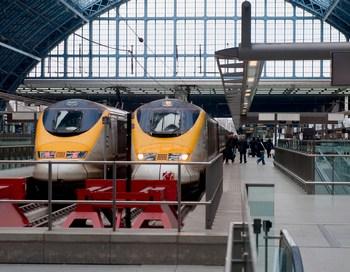 """Поезда """"Евростар"""", отправившиеся во вторник утром с парижских и лондонских вокзалов, к середине дня успешно добрались до пункта назначения по ту сторону Ла-Манша. Фото: Marco Secchi/Getty Images"""