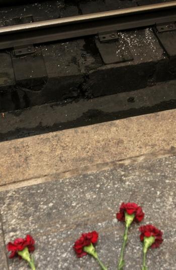В связи с произошедшими в метро Москвы  терактами правительства  стран мира выражают  свои соболезнования. Фото: Dmitry Korotayev/Epsilon/Getty Images