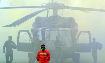 Вертолеты Black Hawk. Фото:  RODRIGO ARANGUA/AFP/Getty Images
