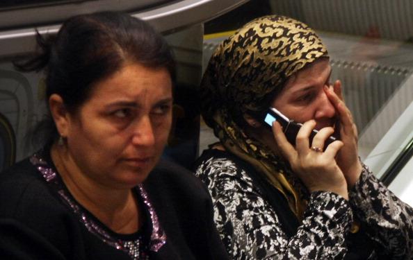 Авария самолета в «Домодедово»: пассажиры с Ту-154  доставлены в Махачкалу; открыты горячие линии.  фоторепортаж. Фото: ANDREY SMIRNOV/AFP/Getty Images