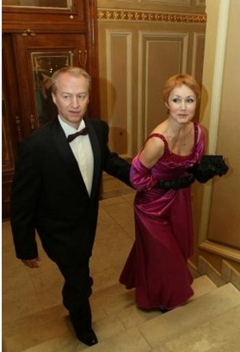 Александр Зинченко с супругой. Фото с сайта vip.glavred.info