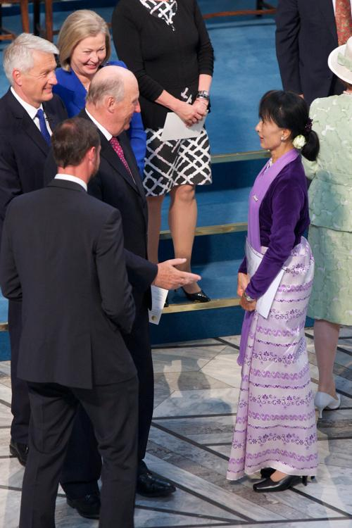 Нобелевская  премия мира вручена Аун Сан Су Чжи через 20 лет. Фоторепортаж. Фото: Ragnar Singsaas/Getty Images