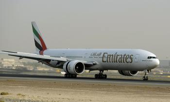 Самолет Boeing-777 потерпел аварию при посадке в индийском аэропорту. Фото: MARWAN NAAMANI/AFP/Getty Images