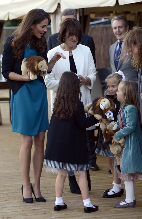 Екатерина, герцогиня Кембриджская, посетила художественную студию Kensington Gardens. Фоторепортаж. Фото: Rebecca Naden - WPA Pool/Getty Images