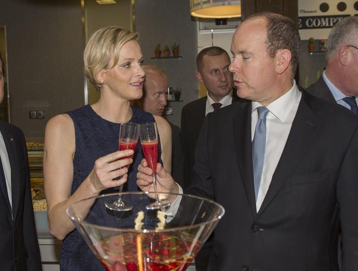 Шарлин   и принц  Монако Альберт II посетили открытие нового торгового центра. Фоторепортаж. Фото: Didier Baverel/Getty Images