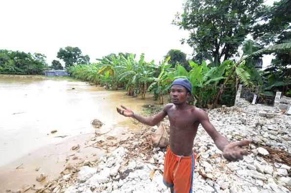 Эпидемия холеры на Гаити. Фоторепортаж. Фото: Spencer Platt/Joe Raedle /THONY BELIZAIRE/AFP/Getty Images