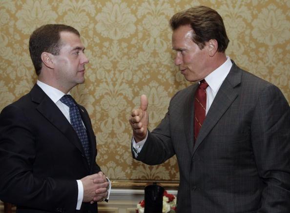 Дмитрий Медведев встретился в США со Шварценеггером. Фоторепортаж. Фото: DMITRY ASTAKHOV/AFP/Getty Images