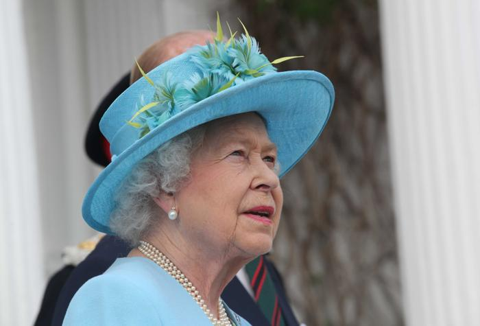 Королева Елизавета II  приняла участие в регате колледжа Henle. Фоторепортаж. Фото: Darren Fletcher - WPA Pool/Getty Images