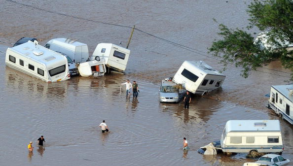 Наводнение на юге Франции унесло жизни 25 человек. Фоторепортаж  Фото: GERARD JULIEN/AFP/Getty Images