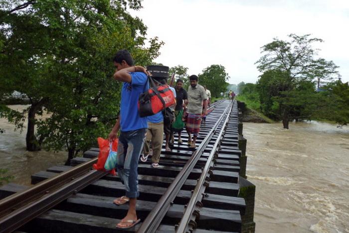 Пострадавшие от наводнения жители Шри-Ланки. Фото: STRDEL/AFP/Getty Images