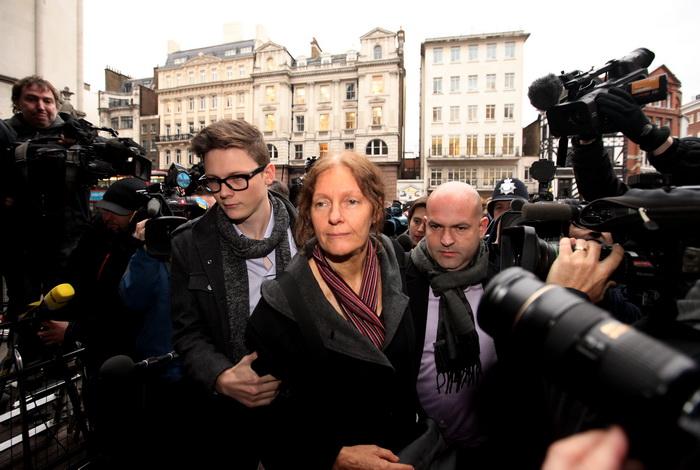 Мать основателя Wikileaks Кристин Ассанж в Лондоне. Фото: Oli Scarff/Getty Images