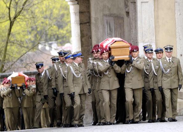 Похороны Леха Качиньского и его жены в замке Вавель, в Кракове. Фоторепортаж. Фото: JACEK TURCZYK/AFP/Getty Images