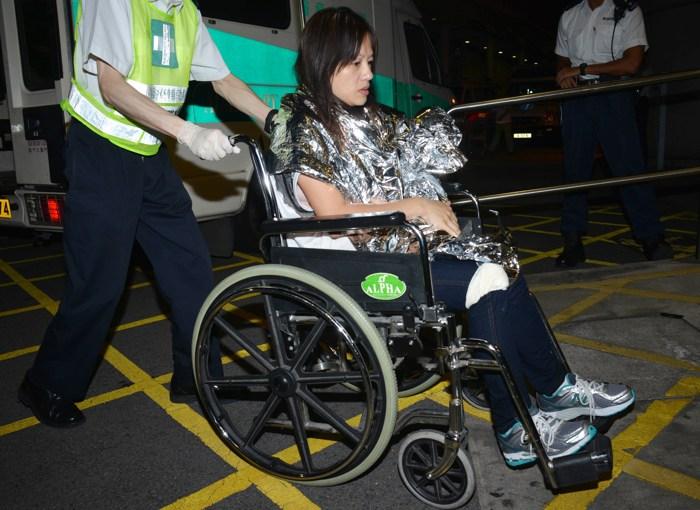 Фоторепортаж с места столкновения прогулочного судна с паромом около острова Ламма в Гонконге. Фото: Yik Fei/Getty Images