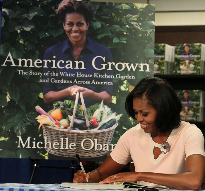 Мишель Обама представила свою книгу  о выращивании фруктов и овощей в саду Белого дома. Фоторепортаж. Фото: Mark Wilson/Getty Images