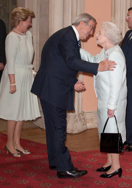 Елизавета II и принц  Филипп принимают суверенных монархов  в Виндзорском  замке. Король и королева Греции. Фоторепортаж. Фото: John Stillwell - WPA Pool/Getty Images