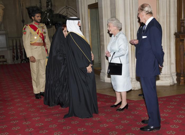 Елизавета II и принц  Филипп принимают суверенных монархов  в Виндзорском  замке. Король Бахрейна. Фоторепортаж. Фото: John Stillwell - WPA Pool/Getty Images