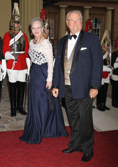 Монархи на приёме в Букингемском дворце по случаю юбилея правления королевы Елизаветы II. Королева Дании  Маргрете и принц-консорт Хенрик Датский. Фоторепортаж. Фото: Sean Dempsey - WPA Pool/Getty Images