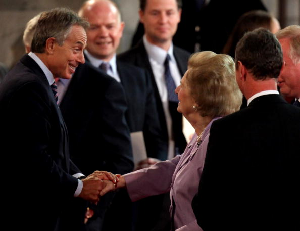 Гордон Браун (Gordon Brown), Тони Блэр (Tony Blair), Черри Блэр (Cherie Blair, Норма Майор (Norma Major),  Джон Майор (John Major), Margaret Thatcher , William Hague and Nick Clegg во время визита Папы Римского, Бенедикта XVI в Великобританию. Фото:  Paul Rogers/ WPA Pool/Getty Images