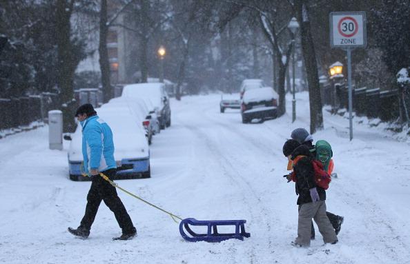 Снега покрывают Германию. Фоторепортаж. Фото: Andreas Rentz/Miguel Villagran/Getty Images