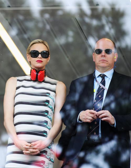 Знаменитости на Гран-при Монако. Принц и принцесса Монако Альберт II  и Шарлин. Фоторепортаж. Фото: Clive Mason/Getty Images