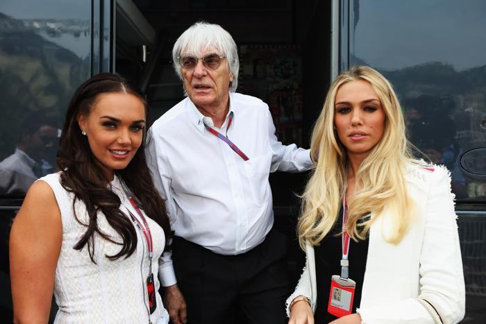 Знаменитости на Гран-при Монако. Бернард Экклстоун (Bernie Ecclestone), с дочерьми Тамарой и Tamara Петрой  Экклстоун. Фоторепортаж. Фото: Clive Mason/Getty Images