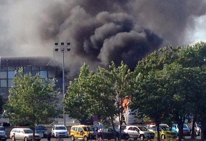 Взрыв автобуса с израильтянами в Болгарии: шесть человек  погибли, 32 получили ранения. Фото: STR/AFP/GettyImages