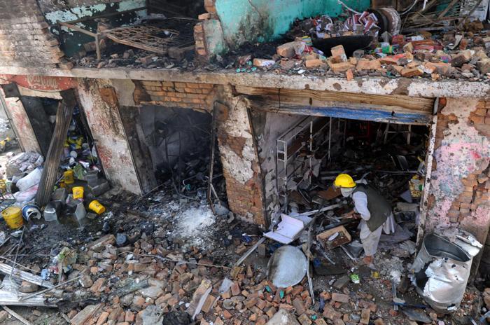 Число погибших от взрыва на рынке в Пакистане возросло до двадцати шести. Фото:  BASIT GILANI/AFP/GettyImages