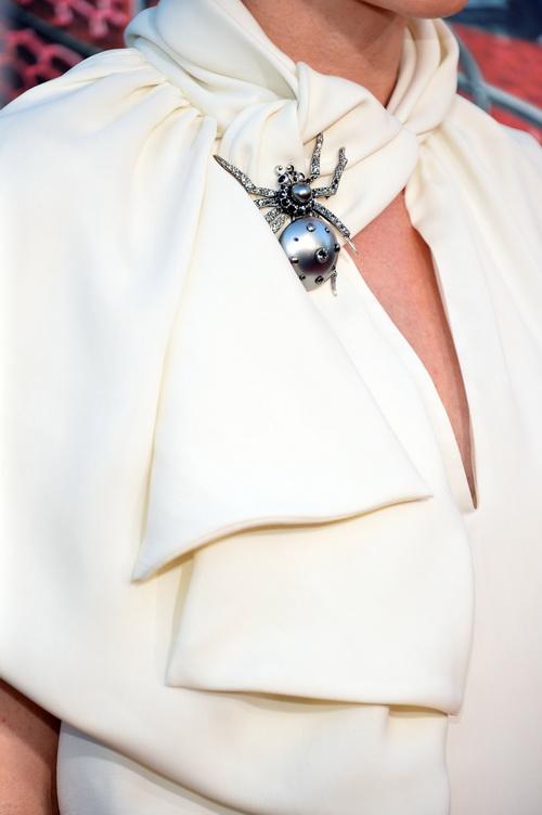 Аксессуары знаменитостей на премьере фильма «Удивительный Человек-паук» в Вествуде. Фоторепортаж. Фото: Alberto E. Rodriguez/Getty Images