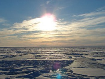Аномальные природные явления: в Арктике из-за жары на всей планете плавятся льды.  Фото: itsnow.ru