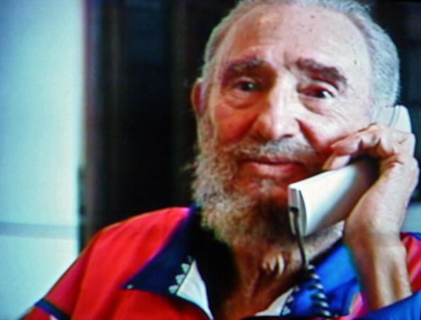 Фидель Кастро выступает по телевидению. Фото: STR/AFP/Getty Images
