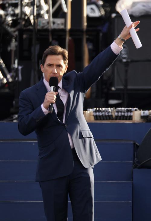 Концерт звезд  в честь бриллиантового юбилея  прошёл в Букингемском дворце. Rob Brydon. Фоторепортаж. Фото: Dan Kitwood/Getty Images