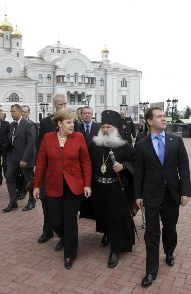 Медведев и Меркель встретились  в Екатеринбурге. Фоторепортаж. Фото: VLADIMIR RODIONOV/AFP/Getty Images