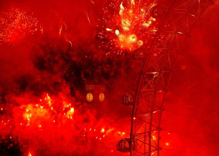 Новый год в Лондоне встретили на берегу Темзы. Фоторепортаж. Фоторепортаж. Фото:  Oli Scarff/Getty Images