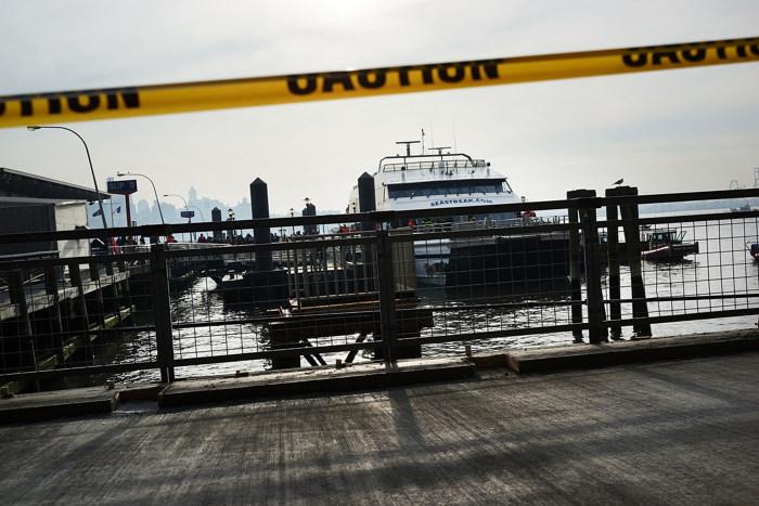 Фоторепортаж  с места столкновения парома с пирсом на Манхеттене в Нью-Йорке. Фото: Spencer Platt/Getty Images