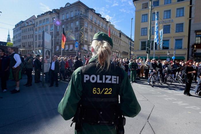 Немецкая полиция раскрыла международную сеть торговцев наркотиками. Фото: Johannes Simon/Getty Images