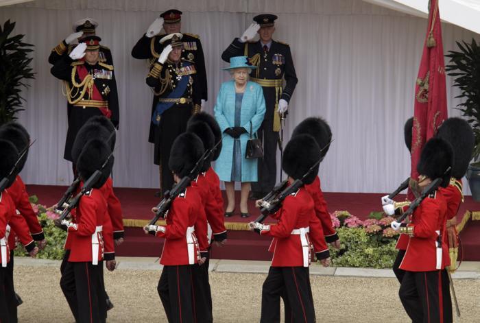 Военный парад в честь  юбилея правления королевы Елизаветы II в Виндзоре. Фоторепортаж. Фото: Chris Jackson - WPA Pool/Getty Images