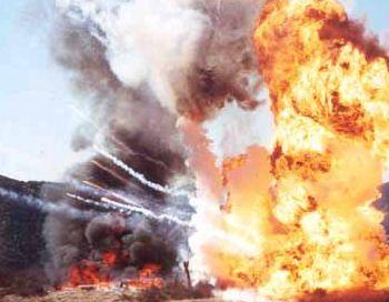 В ДР Конго более 270 человек погибли из-за взрыва цистерны с бензином. Фото с сайта: pirotek.info