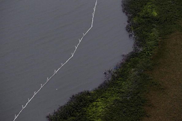 Тропический ураган «Алекс» достигает побережья Мексиканского алива. Фоторепортаж. Фото: Joe Raedle/Getty Images