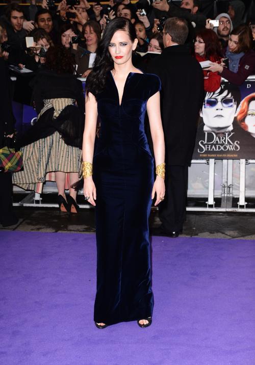 Знаменитости на британской премьере фильма «Мрачные тени» (Dark Shadows) 9 мая в Лондоне. Ева Грин (Eva Green). Фоторепортаж. Фото: Ian Gavan/Getty Images