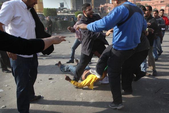 Беспорядки в Каире привели к гибели троих и ранению сотни  людей. Фоторепортаж. Фото: John Moore, Chris Hondros, Peter Macdiarmid/Getty Images
