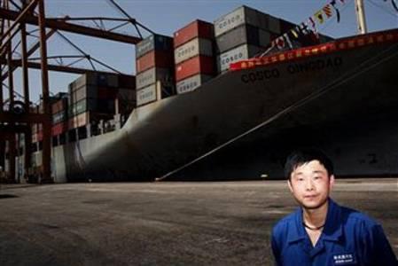 Корабль China Ocean Shipping Company (COSCO) в порту Афин. Фото: AFP/Getty Images