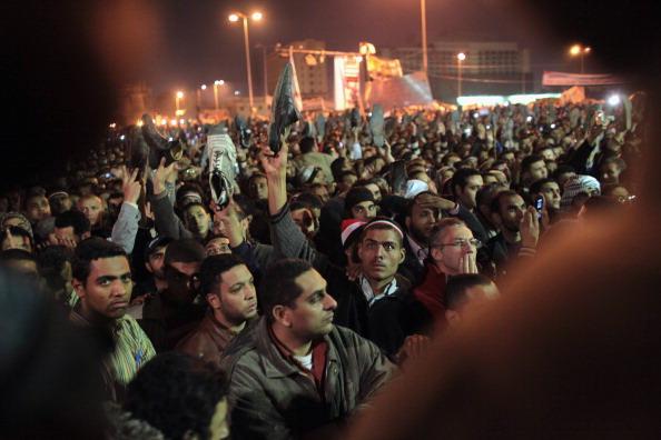 Хосни Мубарак остаётся у власти,  отказавшись от части полномочий. Фоторепортаж. Фото: John Moore/Getty Images