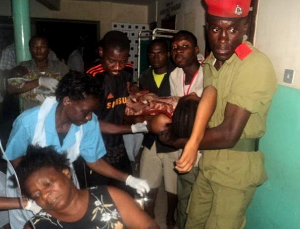 Танзания: серия взрывов на складе боеприпасов привела к гибели 25 человек. Фото: STR/AFP/Getty Images