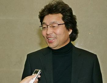 Известный южнокорейский дирижёр Ким Нам Юн. Фото с сайта theepochtimes.com