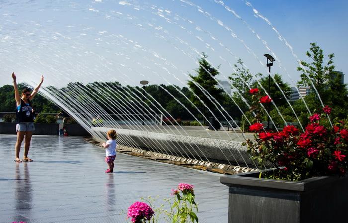 Фонтан в Джорджтаунском Waterfront Park в Вашингтоне, округ Колумбия. Фото: JIM WATSON/AFP/GettyImages
