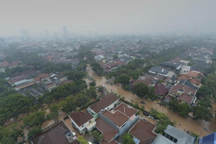 Наводнение в Джакарте. Фото: ADEK BERRY/AFP/GettyImages