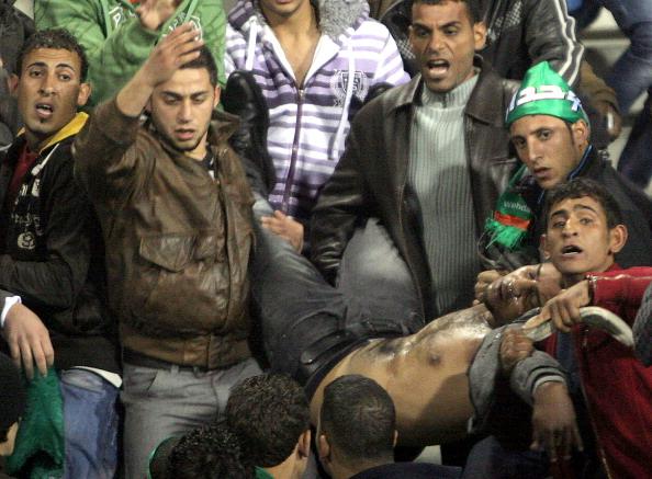 В Иордании на стадионе во время давки пострадали 250 болельщиков. Фото: AFP/Getty Images