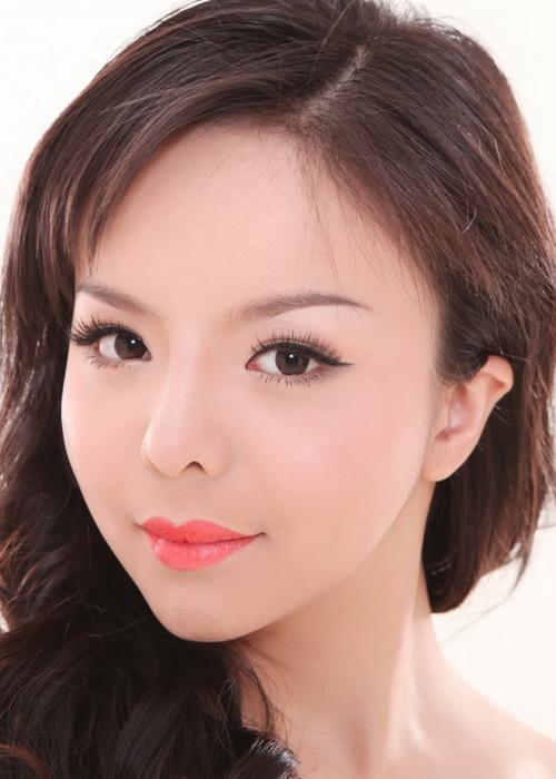 Участница будущего конкурса «Мисс Канада» Анастасия Линь. Фото с сайта theepochtimes.com
